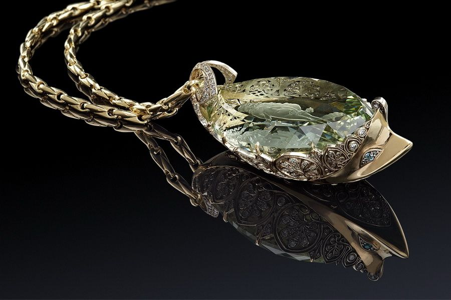 браслет золотой с камнями фото